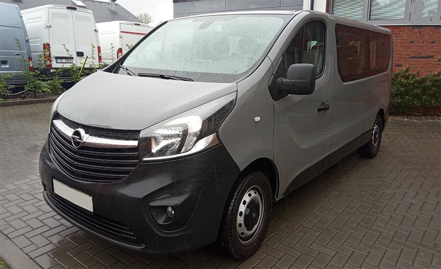 minibus Opel Vivaro